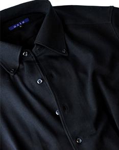 ドレス仕立てのニットシャツ
